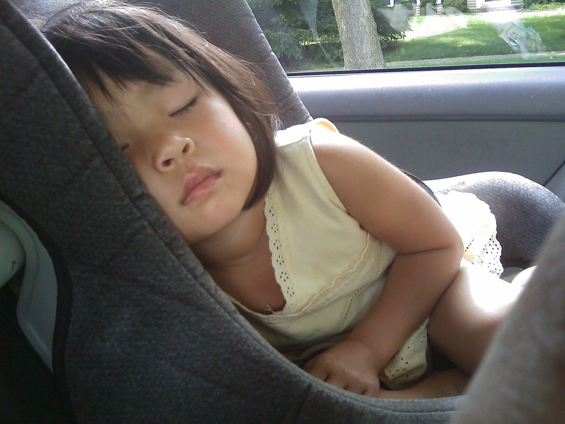 ¿Es segura nuestra silla infantil para el coche?